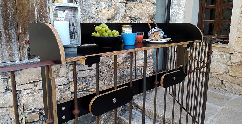 bar a balcon noir baracood